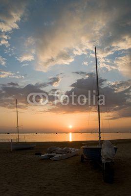 Alba sulla spiaggia - Sunrise over the sea © Pietro D'Antonio