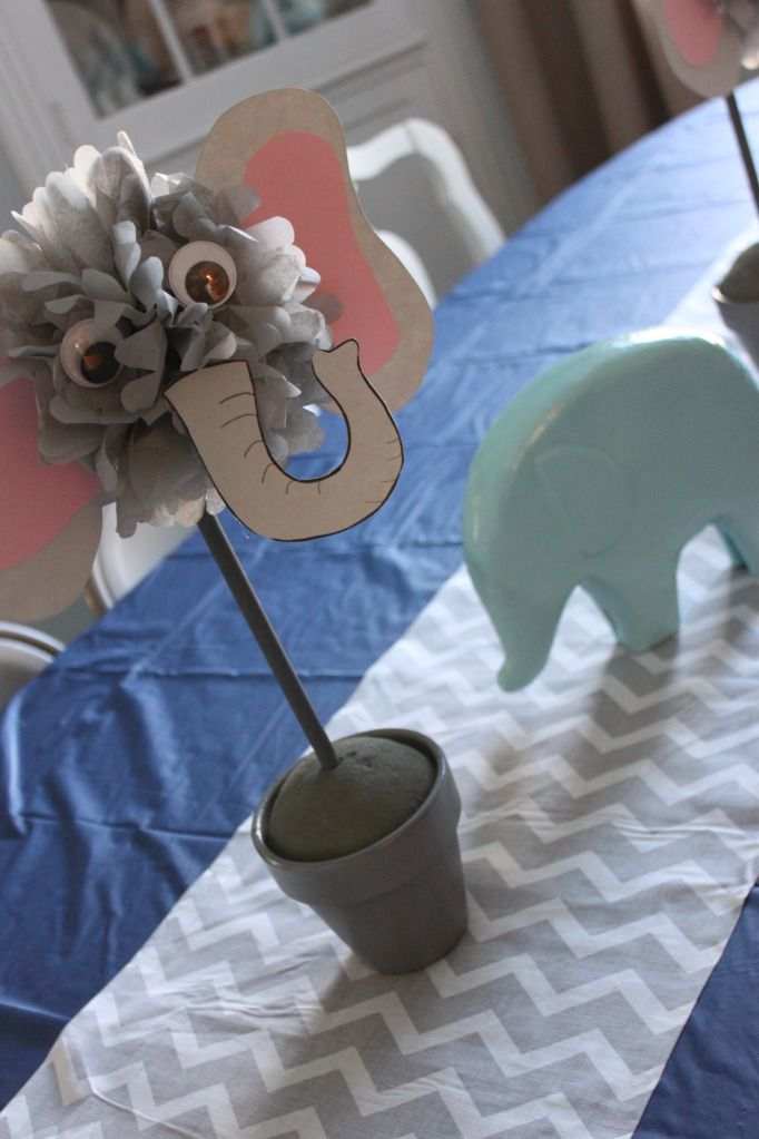 BIG Birthday Bash: An Elephants on Parade Party | The Sensible Home * DIY elephant centerpiece