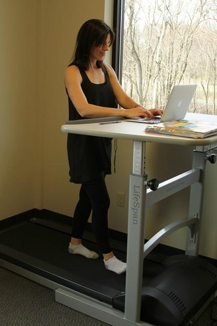 Gigi using her treadmill desk!