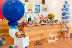 Hoje trouxemos uma festa super fofa idealizada por Lorena Duque com o tema Brinquedos clássicos. Esse é um tema super...