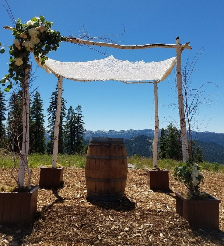 Tahoe Engaged recently had the pleasure of speaking with Emily Williams, Owner of Manzanita Glow, a company that rents natural arches, trees, centerpieces and other visually pleasing structures for weddings in the Lake Tahoe area.   #tahoeengaged #weddingdecor #tahoenorth #tahoewedding #ceremony #weddingceremony #outdoorwedding #weddingrental #centerpieces #arches #trees #weddingplanning #weddingideas @manzanitaglowrenotahoe