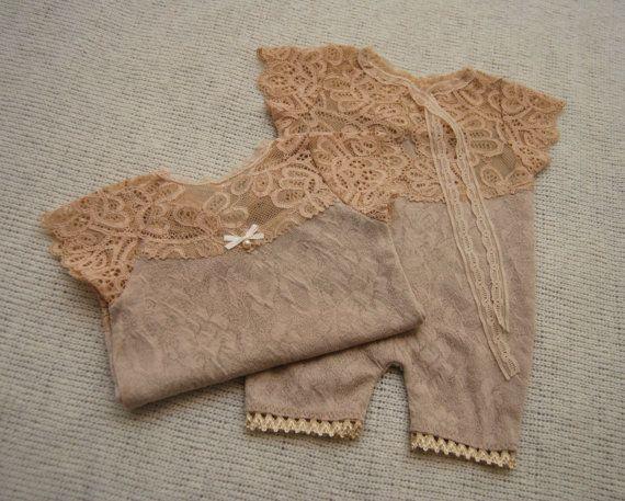Neugeborene Strampler Prop Mädchen von LovelyBabyPhotoProps auf Etsy