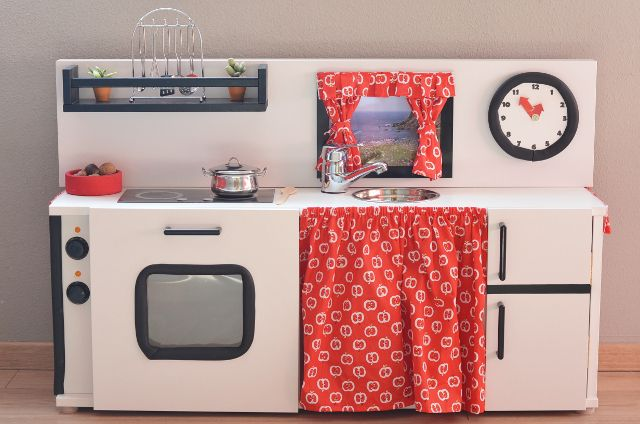 Cocina de juguete / Kitchen toy #DIY                                                                                                                                                                                 Más