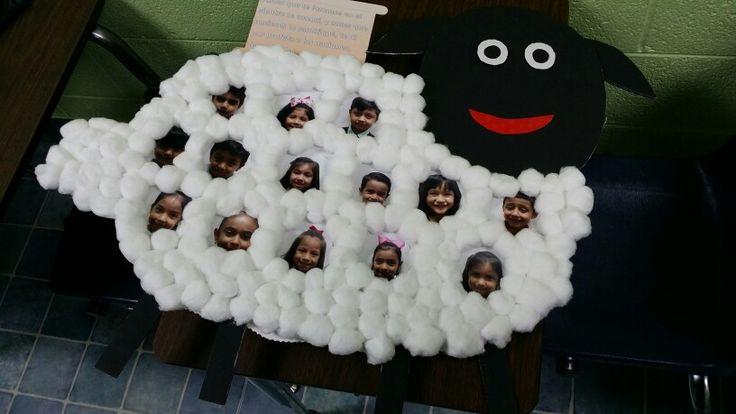 Oveja con las caras de niños para el dia del pastor por la hermana Soco.