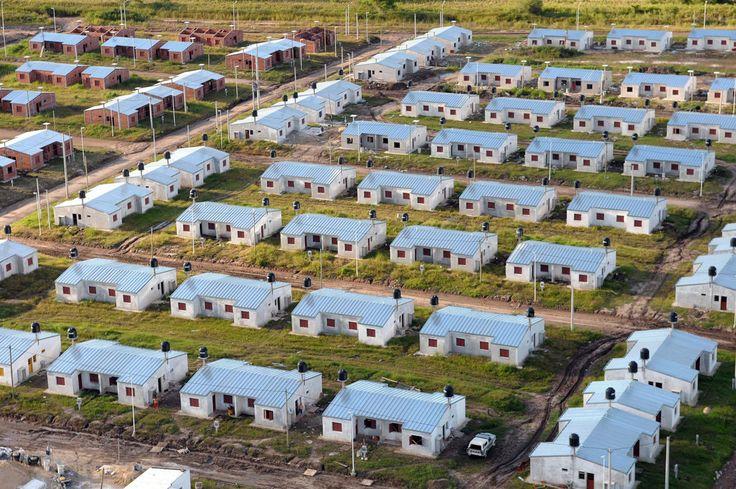 NOTAS CPAU | QUINCE AÑOS EN VIVIENDA  El estado de la cuestión de los últimos 15 años para el acceso a la vivienda en Argentina en general y en la Ciudad de Buenos Aires en particular.  Más info: http://bit.ly/2p5GfwW?utm_content=buffere64c7&utm_medium=social&utm_source=pinterest.com&utm_campaign=buffer  #RecomendadoARQ