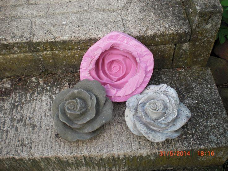 Wir zeigen euch hier, wie wir die Rosenform gemacht haben und sie dann mit Beton nachgegossen haben. Leider ist mir da ein Fehler beim Abwiegen unterlaufen -...