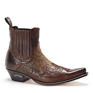 Men's Sendra Python     __________________  Do these come in women's version? I want them if they do.......