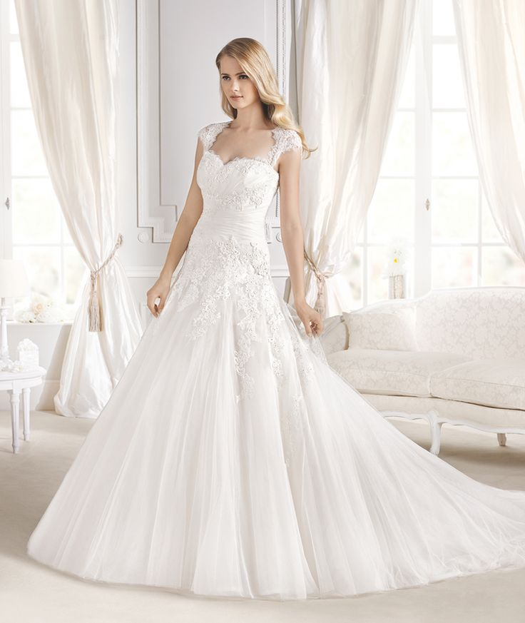 Superb ILANA wedding dress from the Glamour La Sposa collection La Sposa