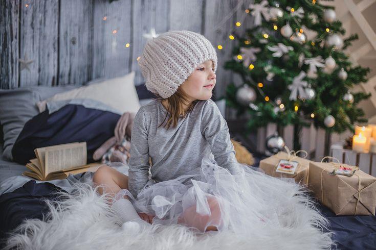 How To Create A Cozy Winter Living Room For Your Family http://missporkpie.com/create-cozy-winter-living-room-family/?utm_campaign=crowdfire&utm_content=crowdfire&utm_medium=social&utm_source=pinterest