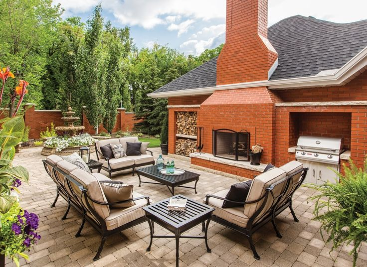 A Glenora couple turn their backyard patio into a private retreat.