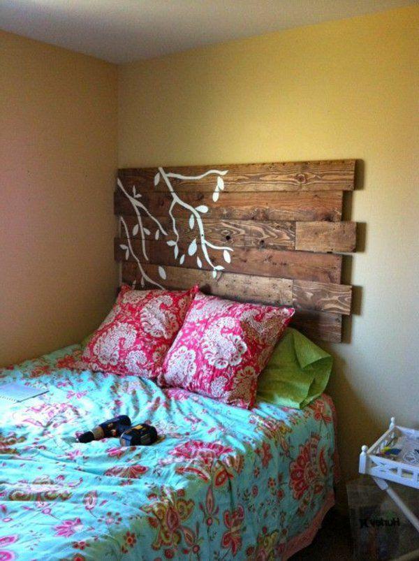 Les 25 meilleures id es concernant couvre lit floral sur pinterest literie - Tete de lit en peinture ...