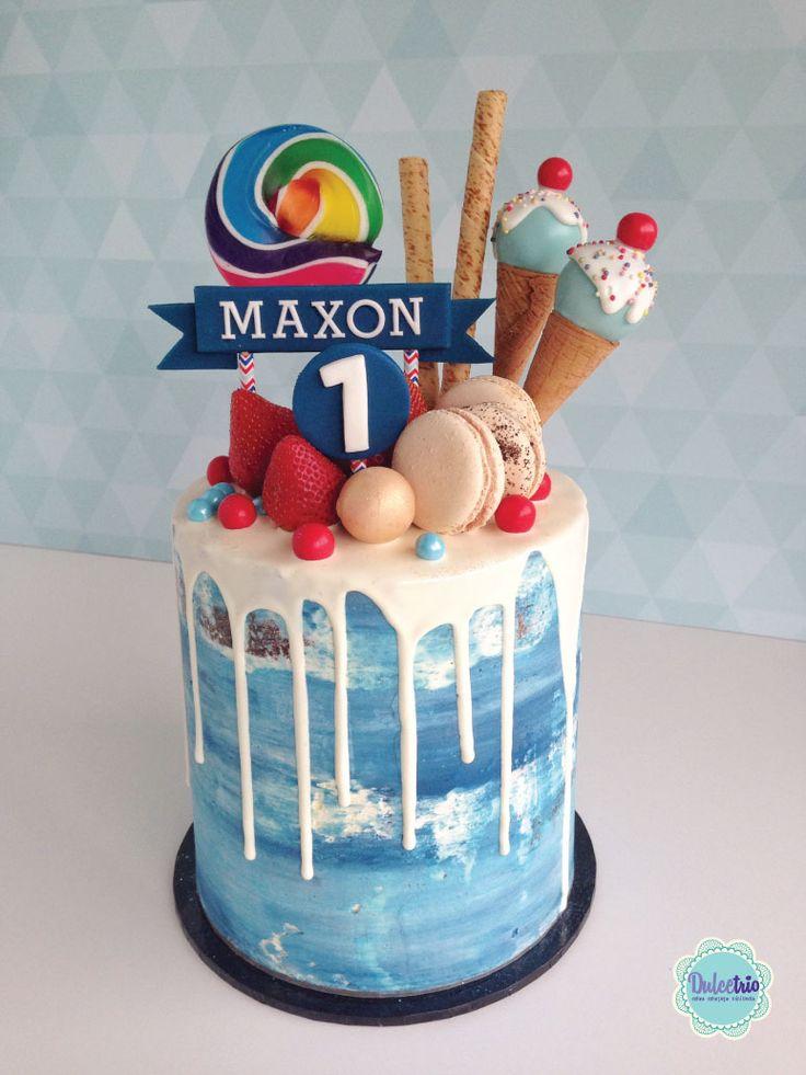 #seminaked  cake Royal blue watercolor to celebrate a #firstbirthday #kids #birthdaycake #boyscake #beautifulcake #chocolatedrip #macaroons #deliciouscake
