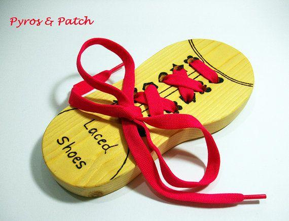 Giocattolo legna stringate per bambini dai 3 anni di PyrosePatch