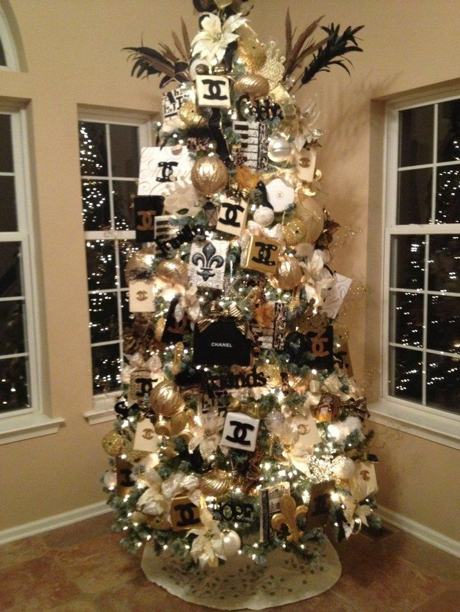 Day 2: I have no Christmas decorations up yet but I would love to have a coco chanel Christmas tree!
