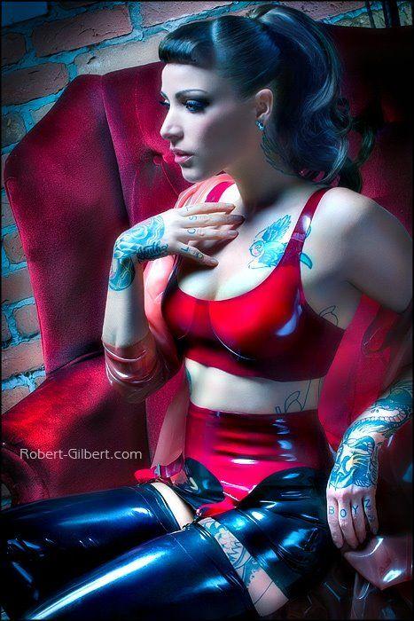 latex öffentlichkeit handabdruck tattoo