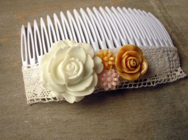 Peigne, barrette pour les cheveux blanc - dentelle et fleurs (taille grande) : Accessoires coiffure par piola