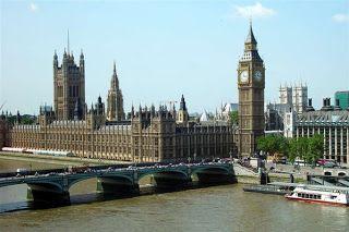 Cheria Travel - Wisatawan yang berkunjung ke London sering menjadikaan tempat menarik berikut sebagai tujuan utama saat mengambil paket tour ke london Inggris.