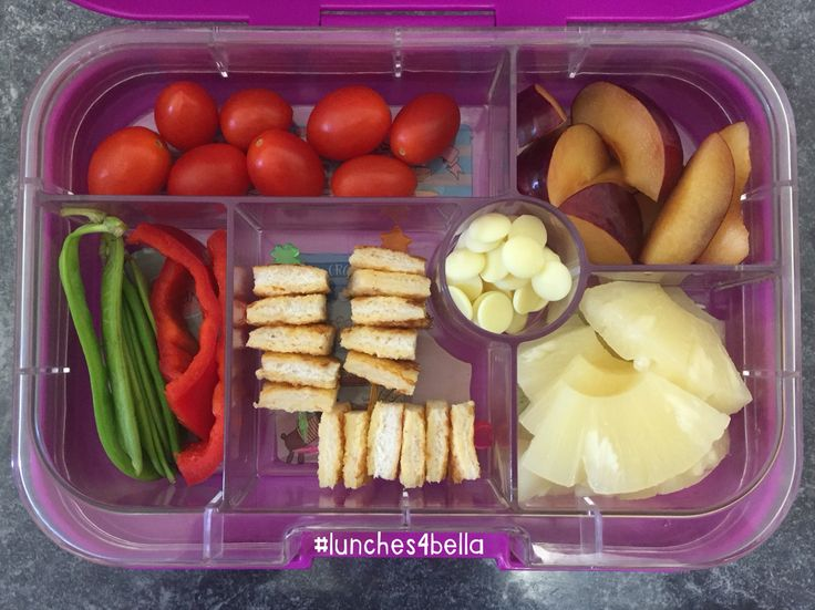 #lunches4bella bento lunch in Yumbox