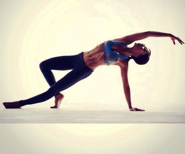 [ 블루 탑브라 + 블랙 레깅스] 섹시한 11자 복근 퍼펙트 바디!❤️