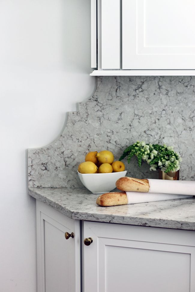 Suche a creative & beautiful solution for those awkward areas in need of a backsplash!!