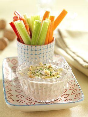 Gemüse-Sticks mit Joghurt-Walnuss-Dip