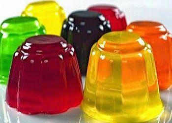 Gelatina Agar Agar | Faça 1 xícara (chá) de seu suco de fruta favorito sem açúcar. Coloque meio copo em uma panela e misture com 1 colher (chá) do pó de Agar-Agar e leve ao fogo, mexendo sempre, até levantar fervura. Misture a gelatina ao seu suco. Coloque em um recipiente e espere esfriar. Você pode variar os sabores do suco e acrescentar pedaços de frutas!