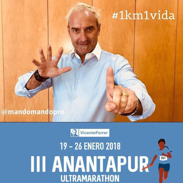 Me uno a la gran labor de la @fvicenteferrer apoyando desde aquí la campaña @1km1vida del 'III Ultramarathon de Anantapur' (India).  Es muy fácil hacerlo. Simplemente hazte un selfie con ese gesto que ves en mi foto menciona a dos de tus contactos y usa el hashtag: #1km1vida. Listo! @patdeandres @josep_macia  Con tu difusión harás que más personas se enteren de esta gran iniciativa y aunque no llegues a correr en la ultramarathon sí que contribuirás a que muchos niños en pobreza extrema en…
