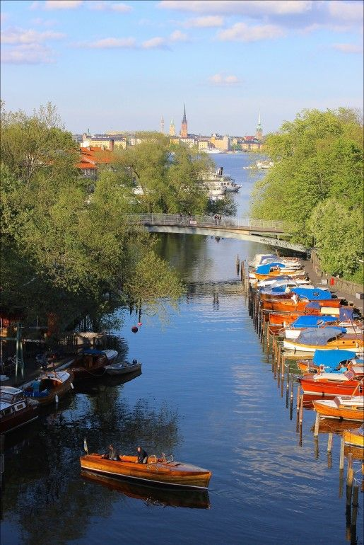48hours to explore Stockholm highlights : A guide written for your first visit to Stockholm. City highlights, local picks and Swedish culture discoveries included. @Buggl - Pack your bags and download this travel guide