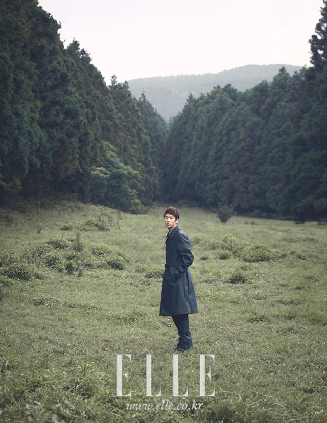 Go here for the previously published spread of Lee Je Hoon in September's Elle Korea. . . . Source | Elle Korea .