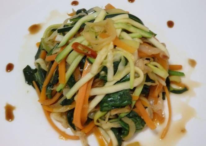 Verduras salteadas con ajo y jengibre