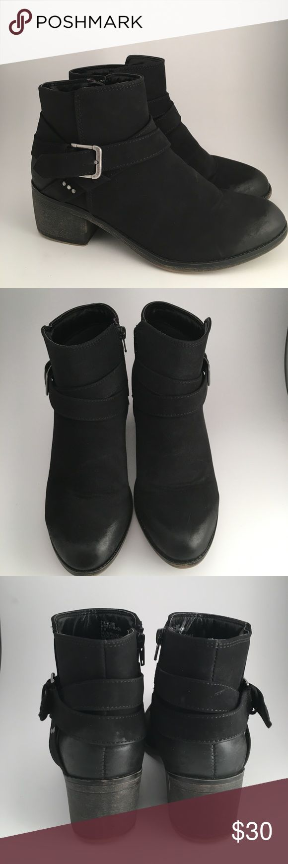 White Mountain Black Buckle Booties 🖤✨ Size 8    More details Soon!   New Item posted 2/4/18 💖✨ 👉No Trades White Mountain Shoes Ankle Boots & Booties