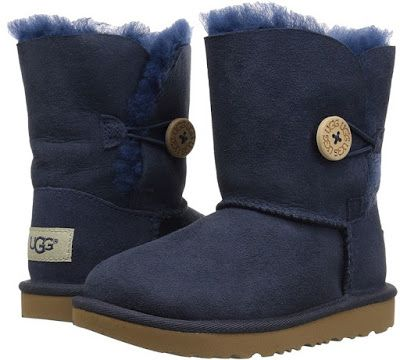 This adorable UGG kids Bailey Button II boot is a MUST have for your toddler.  These boots feature 17mm Twinface sheepskin uppers in a mid-calf boot style.  The uppers of these boots have been treated to repel water and stains.