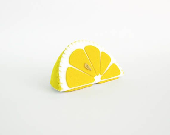 Dieses Angebot beinhaltet 1 Spielzeug ganze Zitrone oder Scheibe Ich schlage vor, dass Sie realistische kaufen Spielzeug, aus Filz für Ihre kleinen gefüllt. Für die Wiedergabe des Gartens Harvest Küche, Shop etc. ————————————————————— ♥ einzigartiges Design, sind genau wie Real ♥ kleine