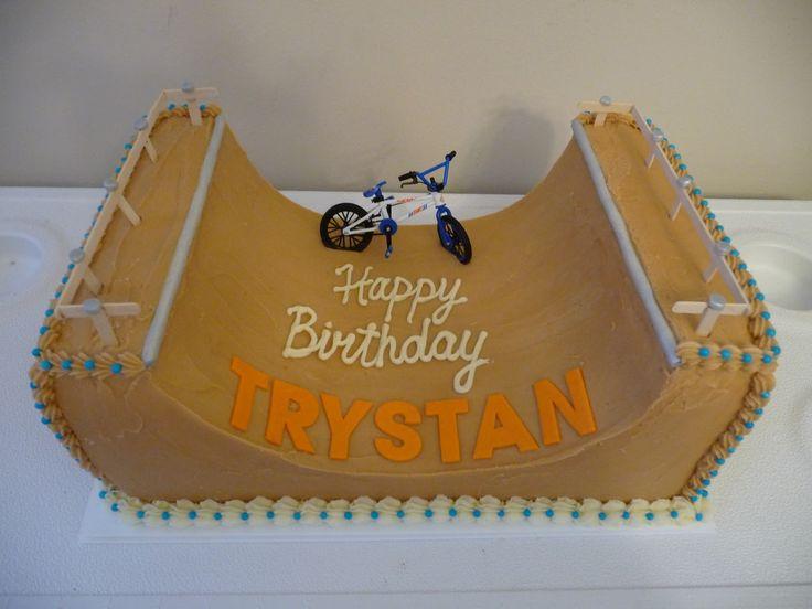 BMX Track Cake | CLASSIC CAKES: Half pipe Cake