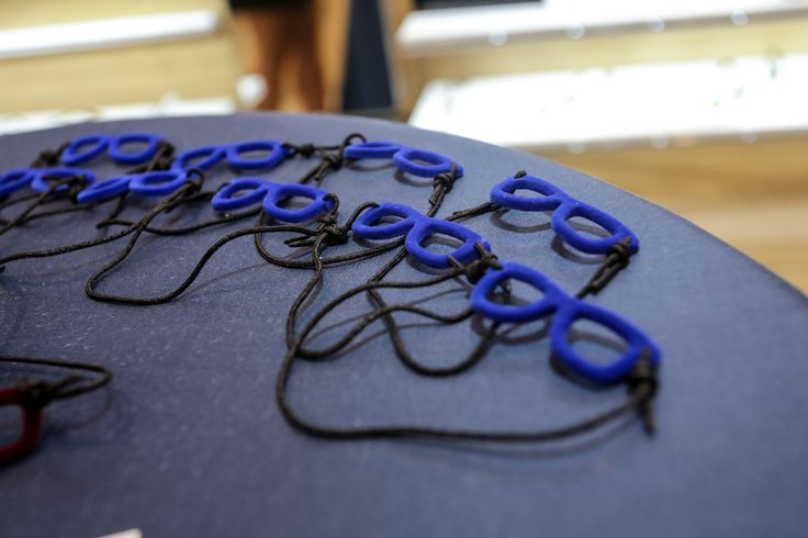 Gli occhiali, i protagonisti di questa magica serata. Ecco i nostri gadget preferiti! #VNFO2013 #independentnight