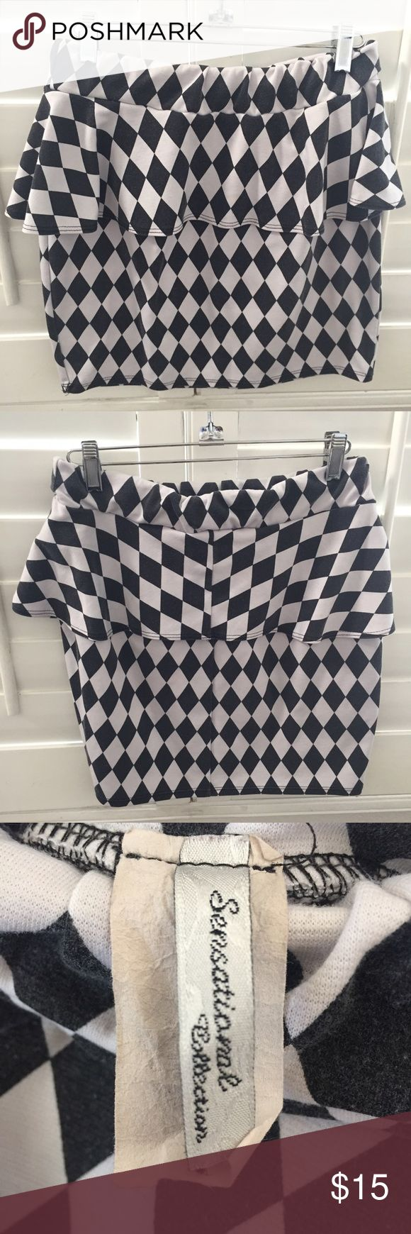 ❤️ SENSATIONAL COLLECTION checked peplum skirt So girly and edgy at the same time. It can cater to different types of style. Some pilling on it but still looks great in pictures. The size has faded but I think it's medium or large. Sensational Collection Skirts Mini