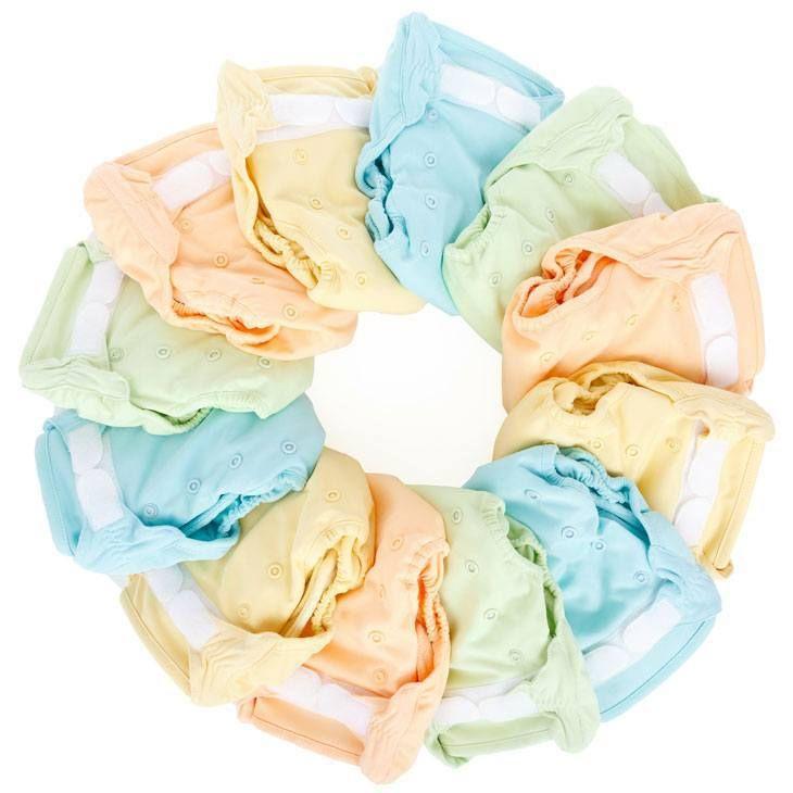 How to Make Diaper Cake for Baby Shower. baby shower diaper cakes . diaper cake ideas . #baby #newborns #bottles #babyboy #babygirl