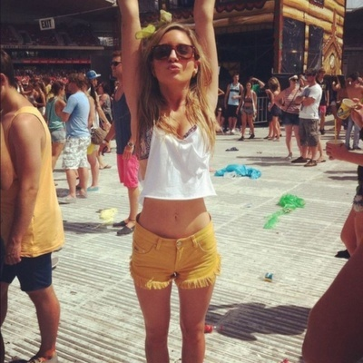 Thinspiration: Bikinis Body, Yellow Shorts, Summer Style, Beaches Outfits, Weights Gain, Rave Outfits, Gluten Free, Summer Bikinis, Mustard Yellow