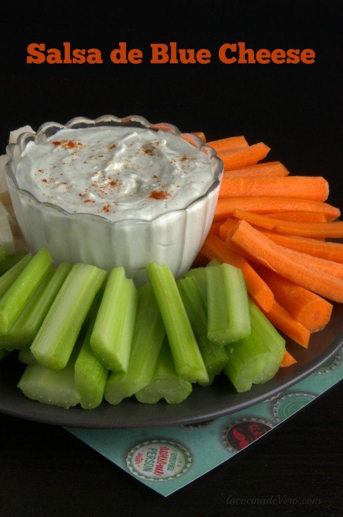 Salsa de Blue cheese. Riquísima para comer con vegetales o para las alitas de pollo.