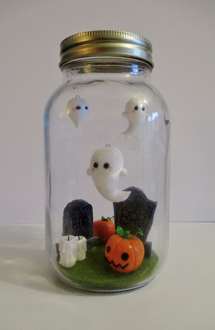 "My own handmade ""Halloween in a Jar"" with Fimo"