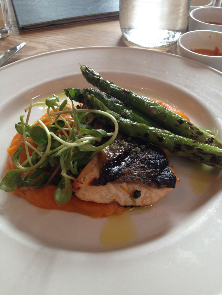 Salmon alla Griglia w/ roasted butternut squash purée and asparagus.
