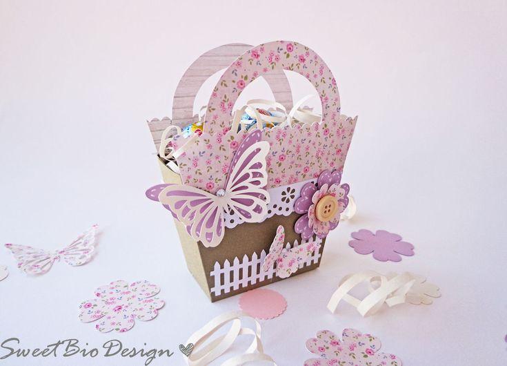 Cestini di Pasqua porta dolcetti - Easter Baskets treats holder http://sweetbiodesign.blogspot.it/2015/04/cestini-di-pasqua-porta-dolcetti-easter.html