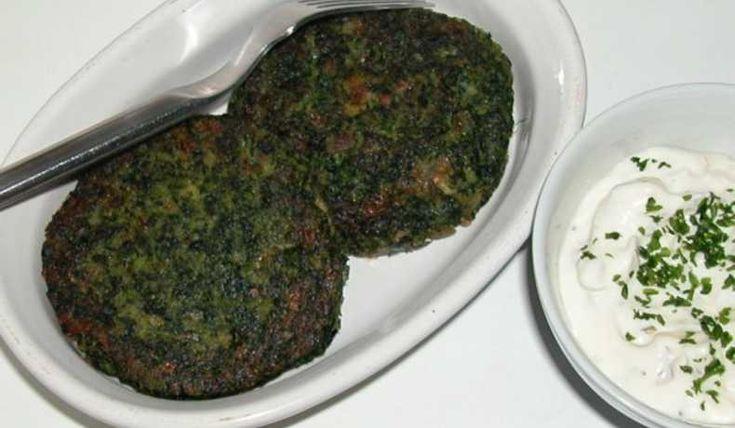 Dessa vegetariska biffar får en mild smak av spenat, ett lite krämigt inre och en frasig yta. Servera gärna örtsås till.
