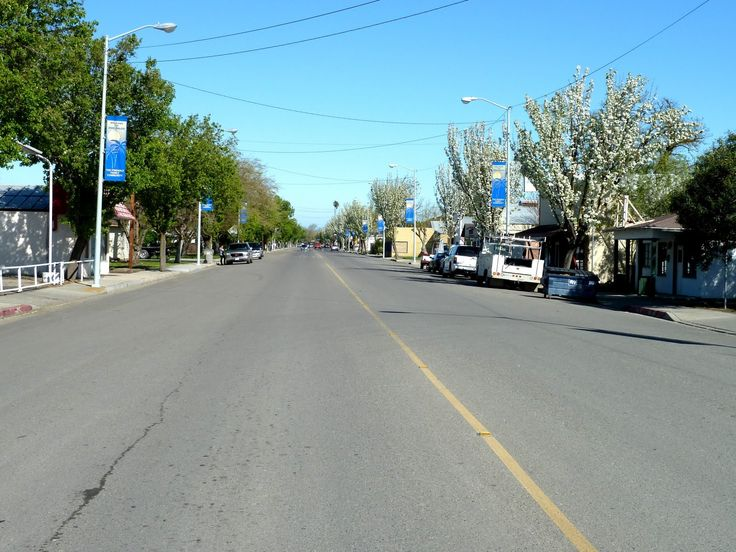 Central Avenue in Dos Palos, Merced