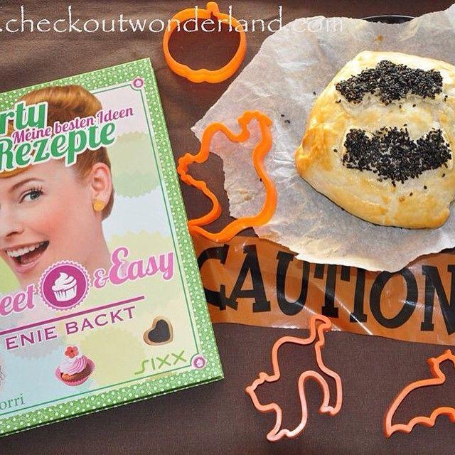 Braucht noch jemand ein gruseliges Halloween-Party-Rezept? Dann schaut was Enie und das Wonderland gebacken haben: http://checkoutwonderland.com/2014/10/30/halloweeeeeeeeeeeeeeeen-enie-backt-mit-mir/ #enie #wonderland #checkoutwonderland
