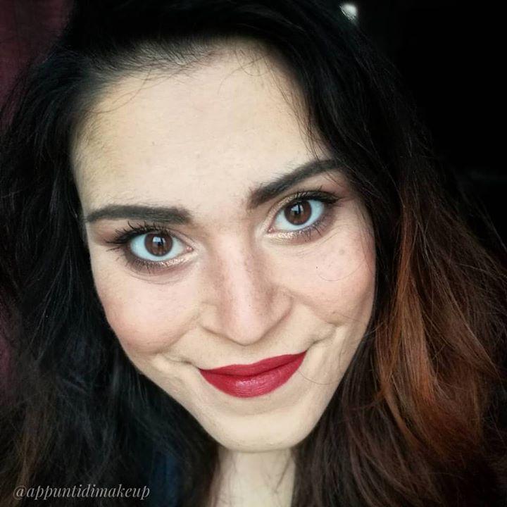 Miro imperterrita alla fine di questa settimana armata dei miei rossetti rossi  #FOTD #faceoftheday #appuntidimakeup #igers #igersitalia #ibblogger #bblogger #igersroma #love #picoftheday #photooftheday #amazing #smile #instadaily #followme #instacool #instagood http://ift.tt/1TFKZ3u