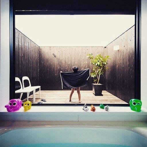 きっとでっかい男に育つんだろうな。  #間取り   #お風呂  #露天風呂がある家  #インテリア  #設計事務所  #グランハウス