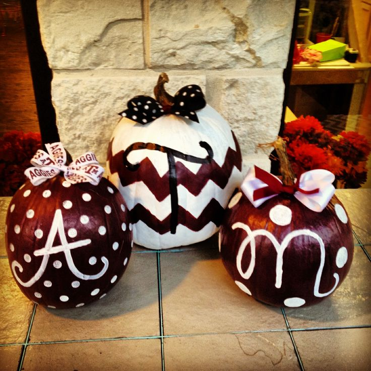 Aggie Pumpkins, need to remember this for next Halloween!