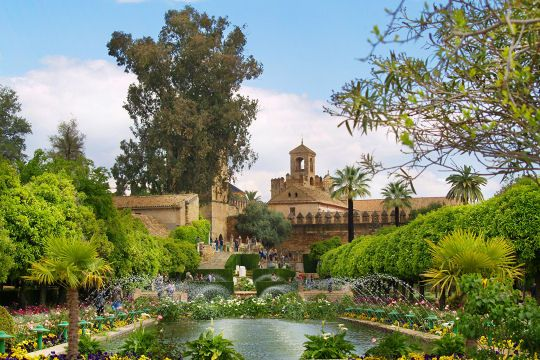 L'Alcázar des Rois chrétiens de Cordoue : Les plus beaux châteaux d'Espagne - Linternaute.com Voyager