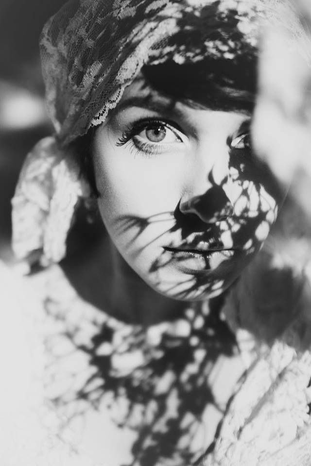 Janelle Putrich photography . Shadows . Self portrait . Vintage . Great Gatsby . Black and white .